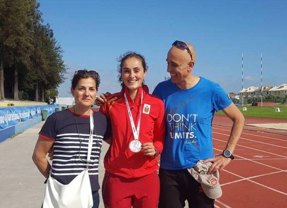 Debut e medalla internacional para Andrea González