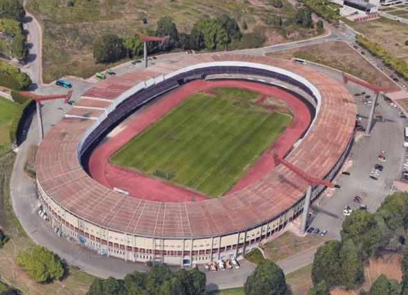 Federación e clubs santigueses demandan medidas urxentes co Estadio San Lázaro